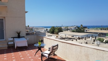 Φωτογραφία του Unique Roof apartment with sea view, Τελ Αβίβ