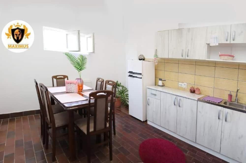 Economy Μονόκλινο Δωμάτιο, Κοινόχρηστο Μπάνιο - Κοινόχρηστη κουζίνα