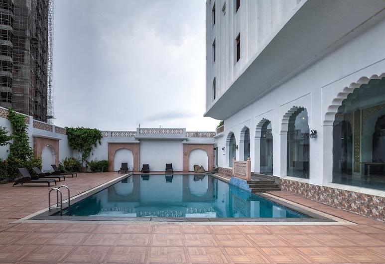 Utkarsh Vilas Tavisha, Agra, Basen odkryty