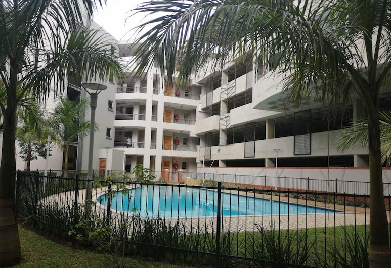 Apartment in the heart of Umhlanga, Umhlanga, Piscina al aire libre