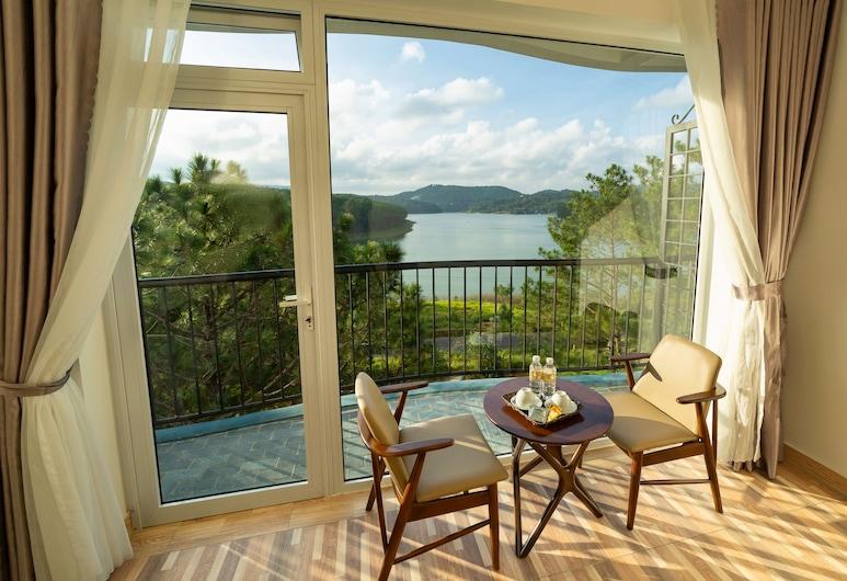 Romeo Juliet Dalat Resort, Da Lat, Deluxe-herbergi - útsýni yfir vatn, Herbergi