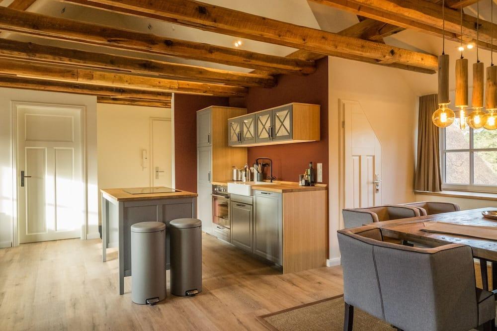 Comfort-Apartment (Kogge) - Essbereich im Zimmer