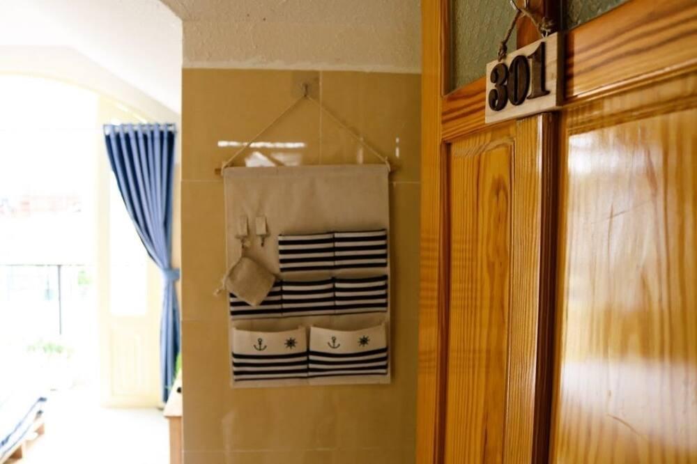 Attic Room, Bathtub - Guest Room