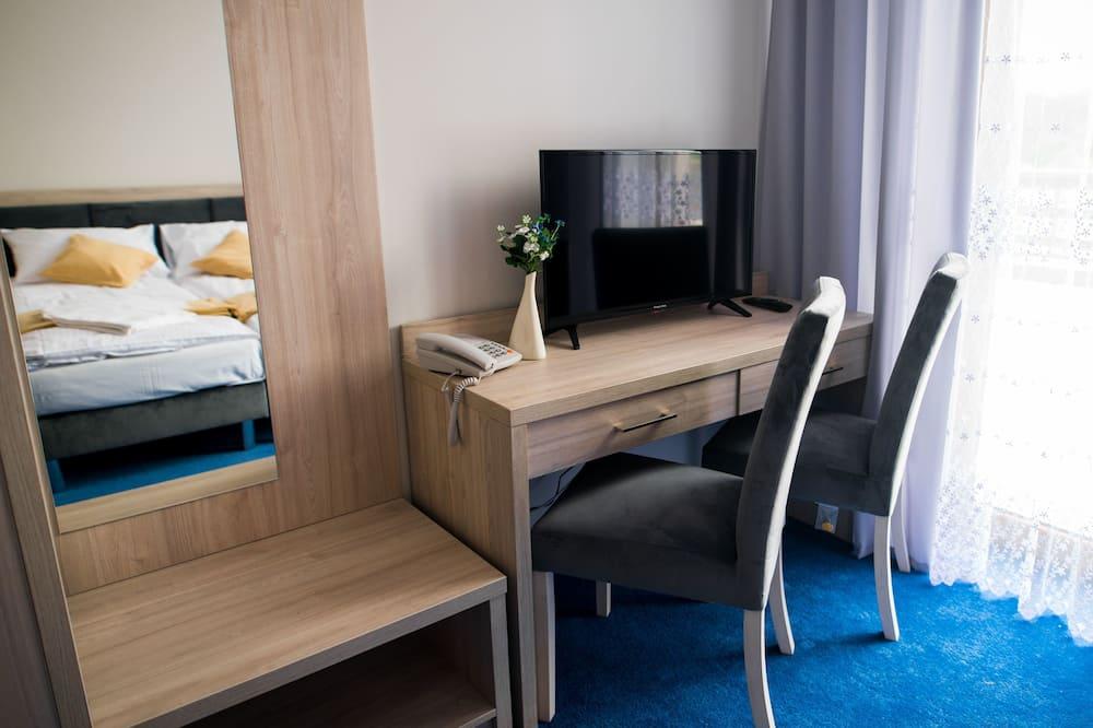 Camera con letto matrimoniale o 2 letti singoli, bagno privato - Area soggiorno
