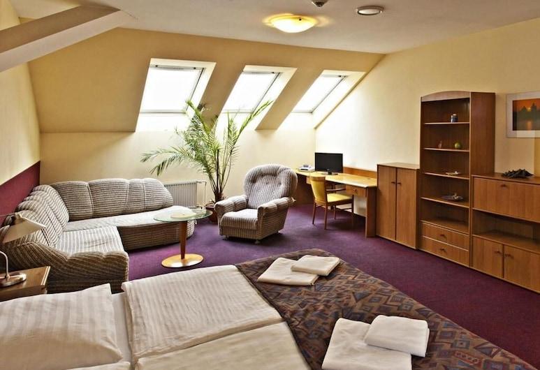 A Plus Hotel & Hostel, Praga, Quarto família, Área de estar