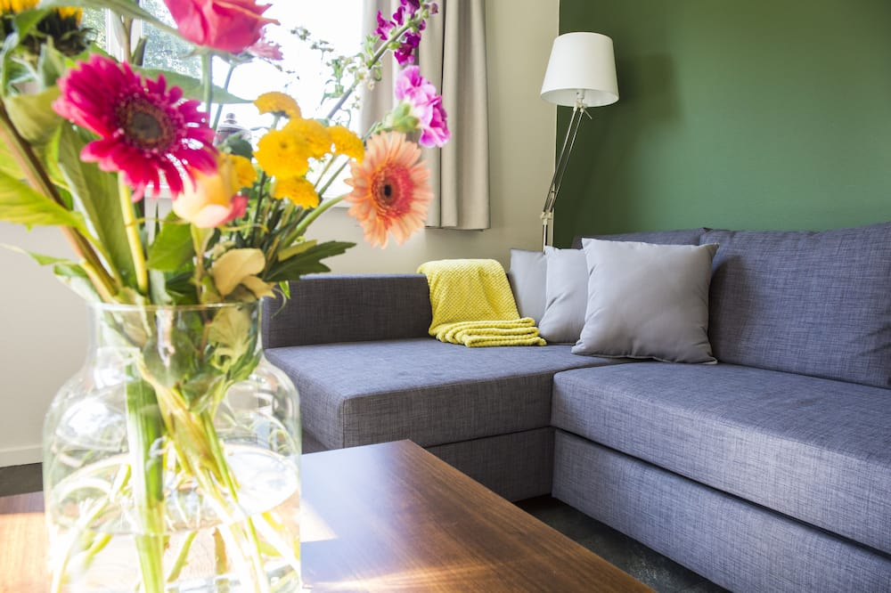 Cabaña Deluxe, 1 cama de matrimonio grande con sofá cama, patio - Sala de estar