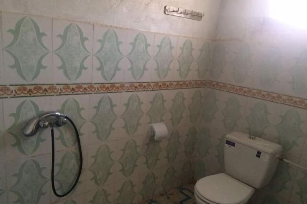 غرفة عائلية - بحمام مشترك - حمّام