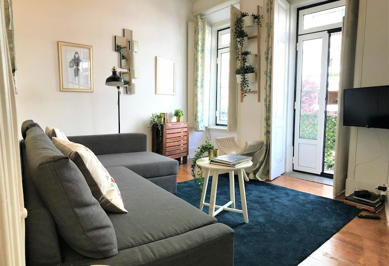 Charming flat with great terrace, Lisbon
