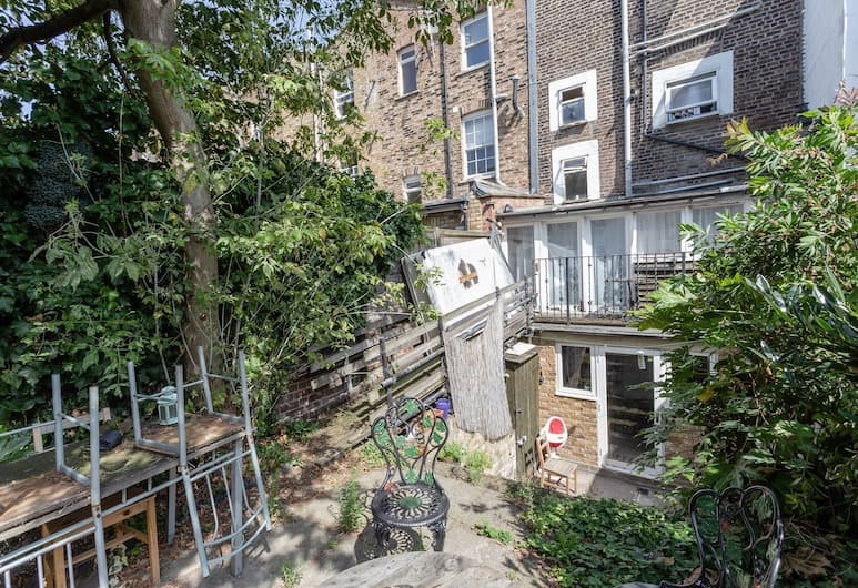 1 Bedroom Camden Apartment With Patio, London, Aed