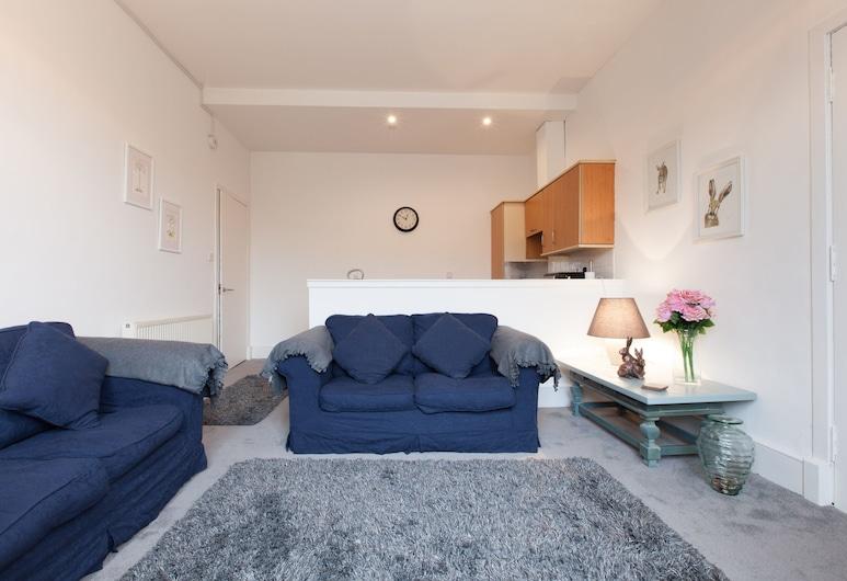 Comfortable 3 Bedroom Top Floor Flat in Old Town, Edinburgh, Oturma Odası