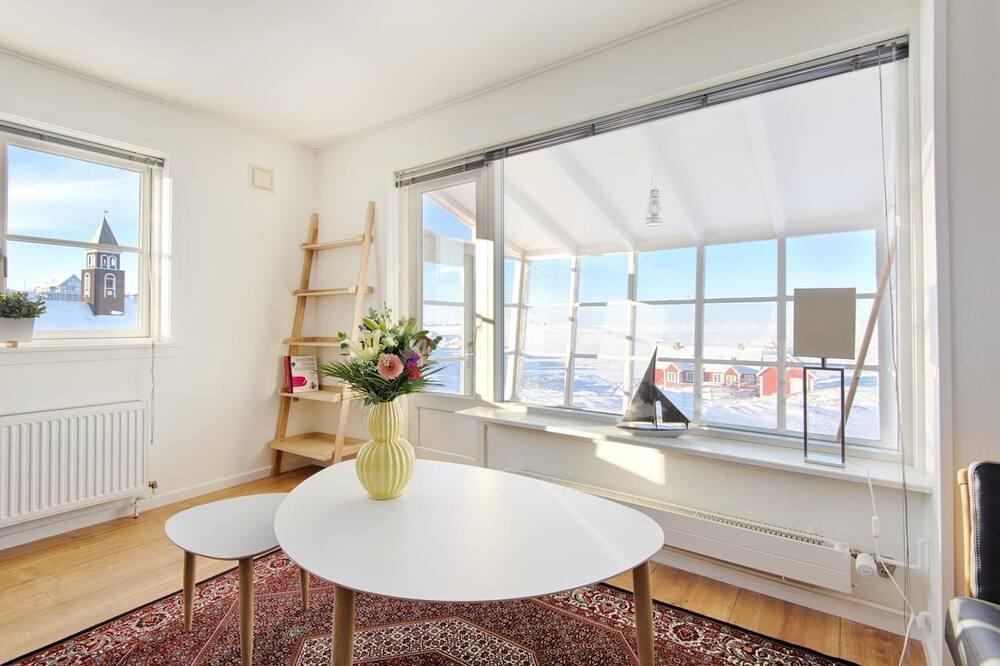 Deluxe Villa, 3 Bedrooms - Living Area
