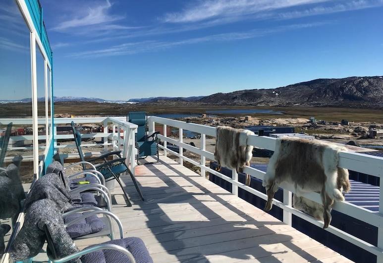 Blue Trail Guesthouse, Ilulissat, Terras