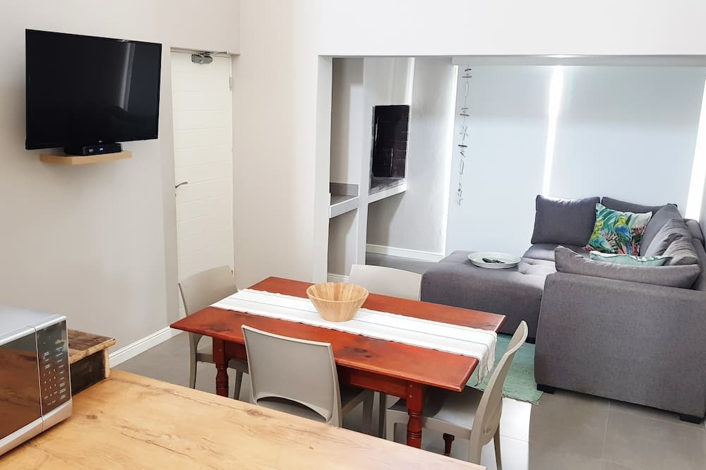 Family Apartment, 2 Bedrooms - Living Area