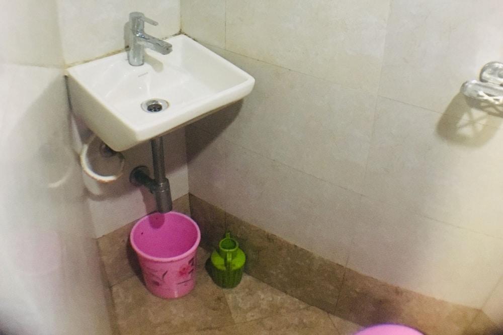 Classic Room - Bathroom Sink