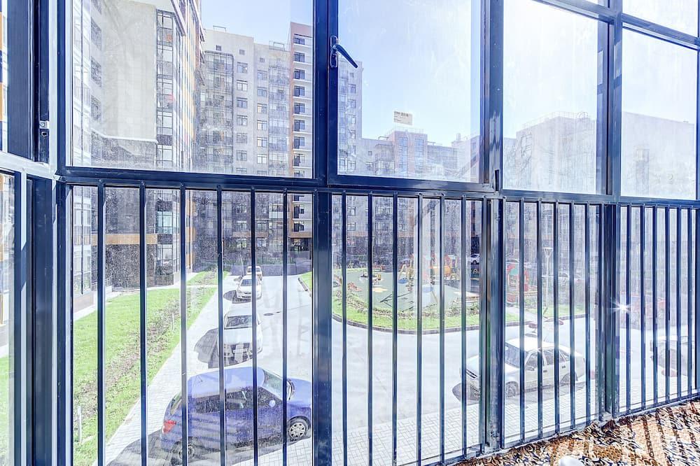 Studio (811) - Balcony