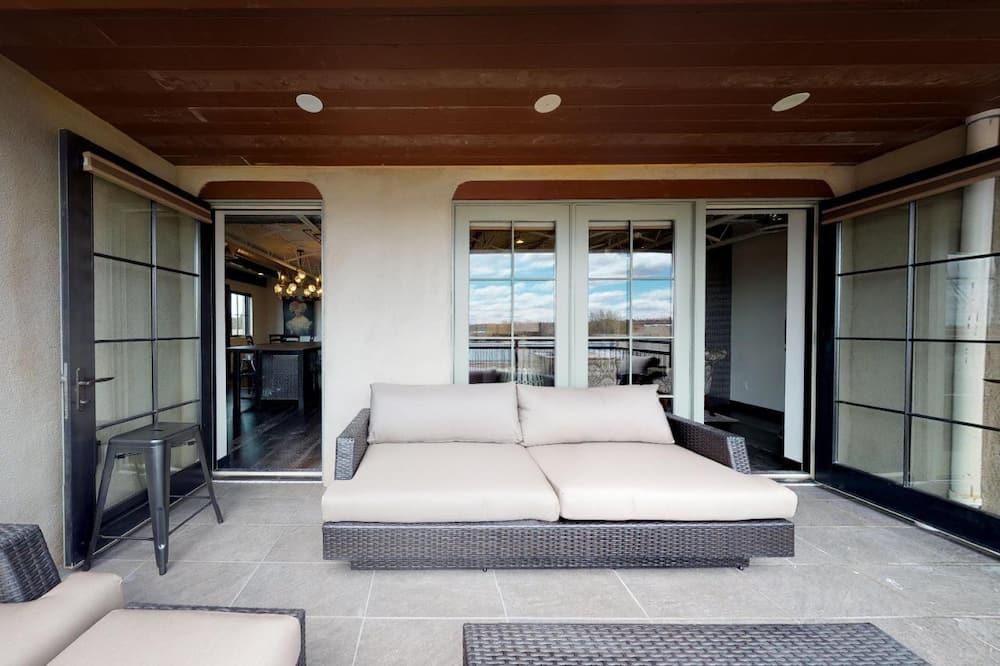 Condominio (The Lincoln 503) - Balcón