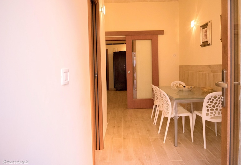 Apartment With 2 Bedrooms in Matera, Matera, Apartmán, Izba