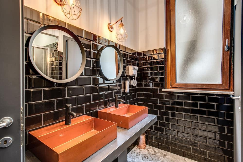 Gemeinsamer Schlafsaal, Nur Frauen (8 People) - Badezimmer