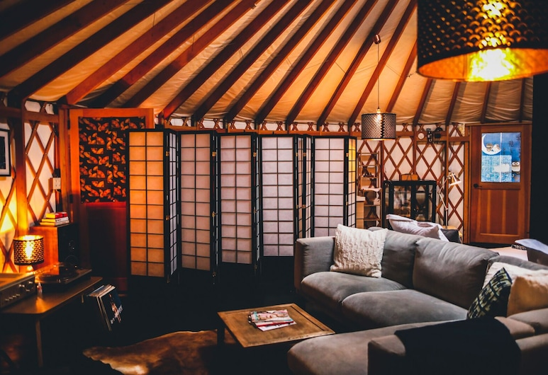 Snowball Chalet at Madarao Mountain, Iiyama, Luxury Suite with Private Facilities, Ofuro and Fireplace, Living Area