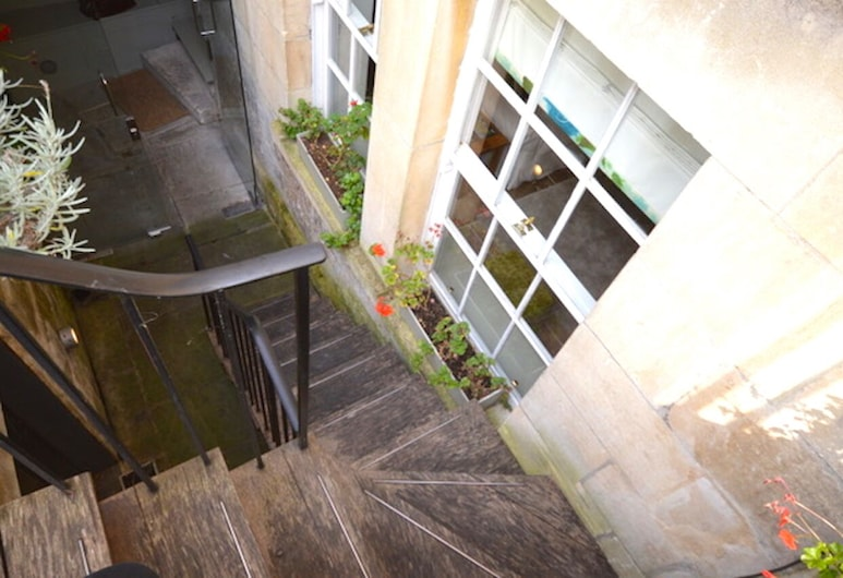 Garrard's Retreat - Stylish Apartment Between The Circus and The Royal Crescent, Bath