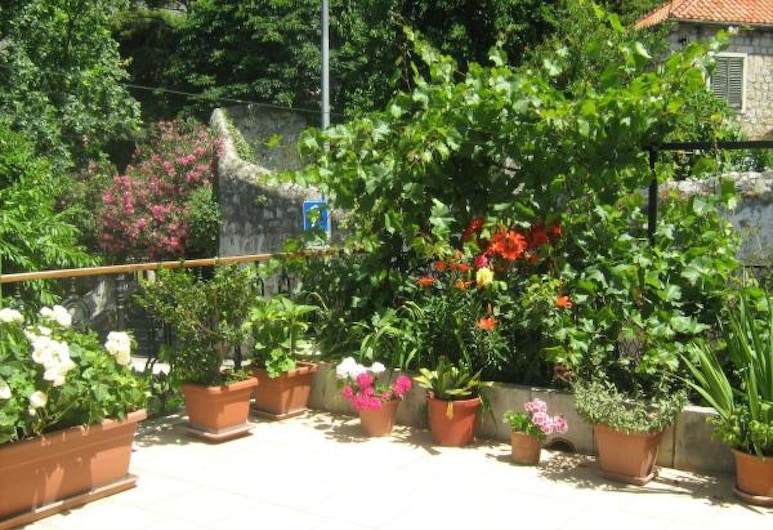 House Boninovo - Adults Only, Dubrovnik, Double Room, Patio, Garden View, Garden View