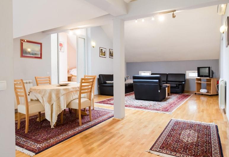 Basco Slavija Square Apartment, Belgrad, Comfort-Apartment, 2Schlafzimmer, Wohnbereich