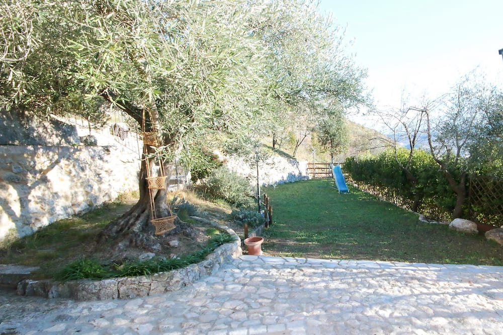 Double Room, Valley View - Courtyard View