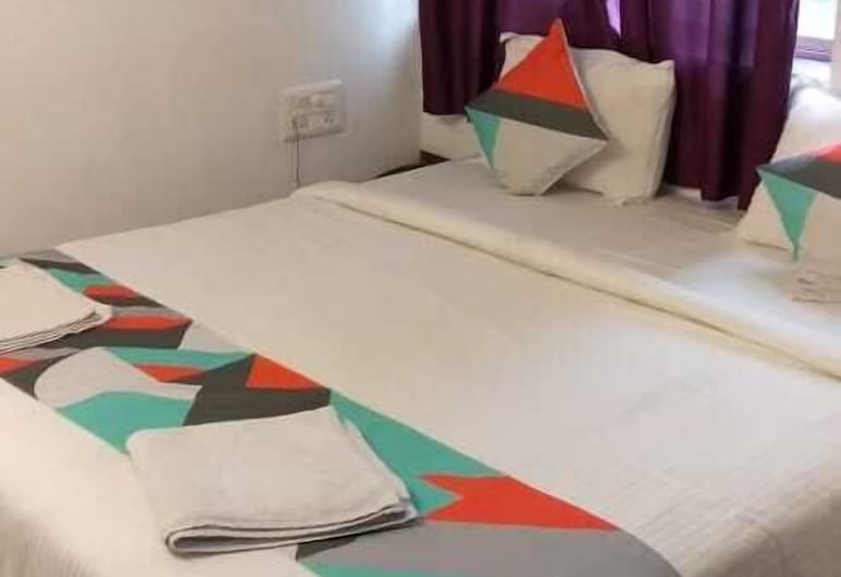 Latanand Residency, Mahabaleshwar, Deluxe Room, Guest Room