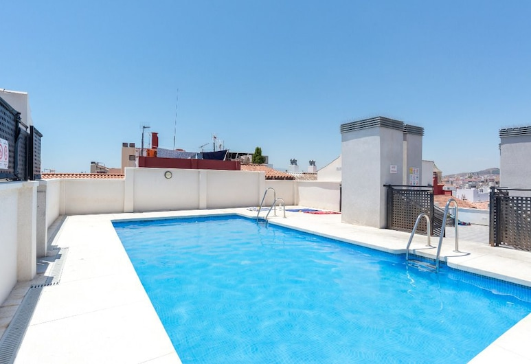 Stylish Apartment in downtown with Pool, Málaga, Rooftop Pool