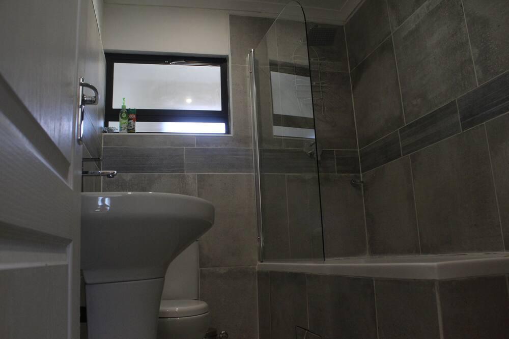 Room, Garden View - Bathroom