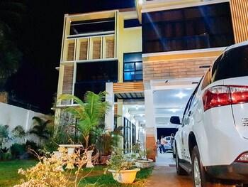 Picture of RedDoorz Premium near Villa Beach Iloilo in Iloilo