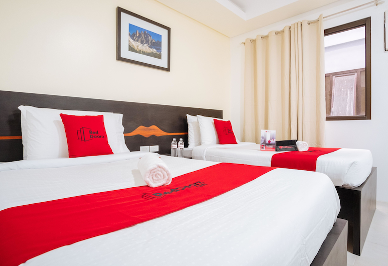 RedDoorz Plus @ Evangelista Street Makati, מקאטי, חדר טווין, חדר אורחים