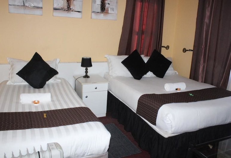 Phomolo Guest House, Maseru, Standard Triple Room, Guest Room