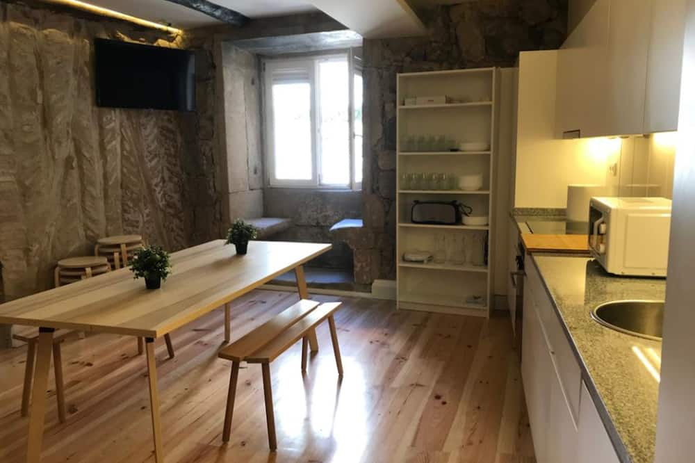 Zajednička spavaonica, mješovita spavaonica, zajednička kupaonica, pogled na grad (4 Beds) - Zajednička kuhinja