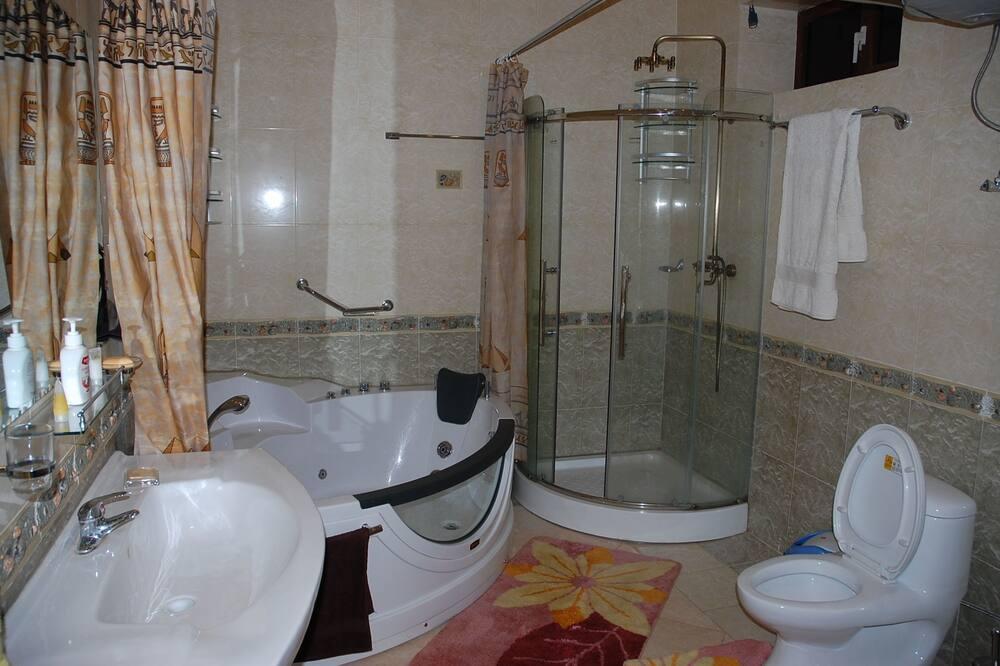 Classic Double or Twin Room, 1 Bedroom - Bathroom