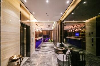 Picture of Zmax Hotel (Guangzhou Pazhou Exhibition Center Chigang Metro Station) in Guangzhou