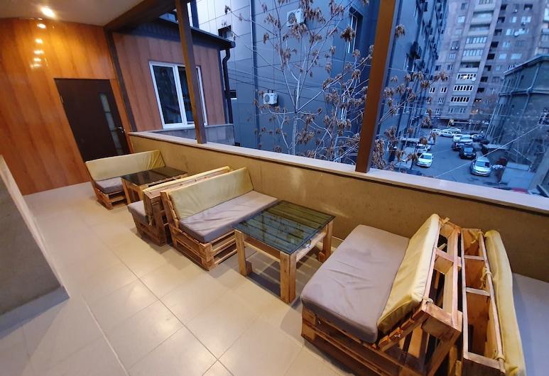 Doss Hotel and Hostel, Yerevan, Budget Double Room, Shared Bathroom, Balcony