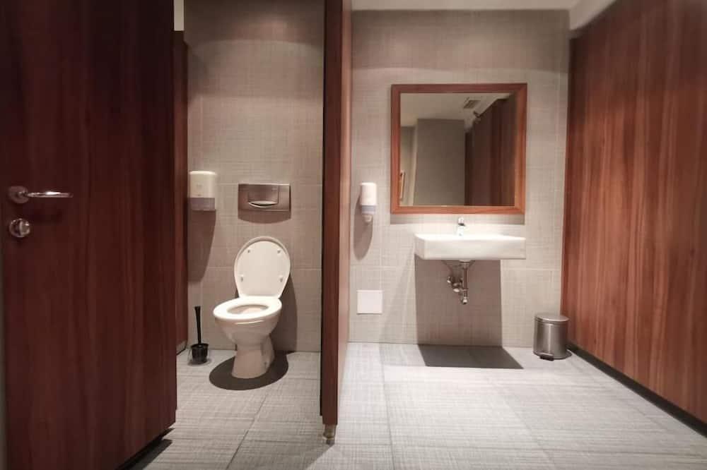 Shared Dormitory, Mixed Dorm (R4) - Bathroom