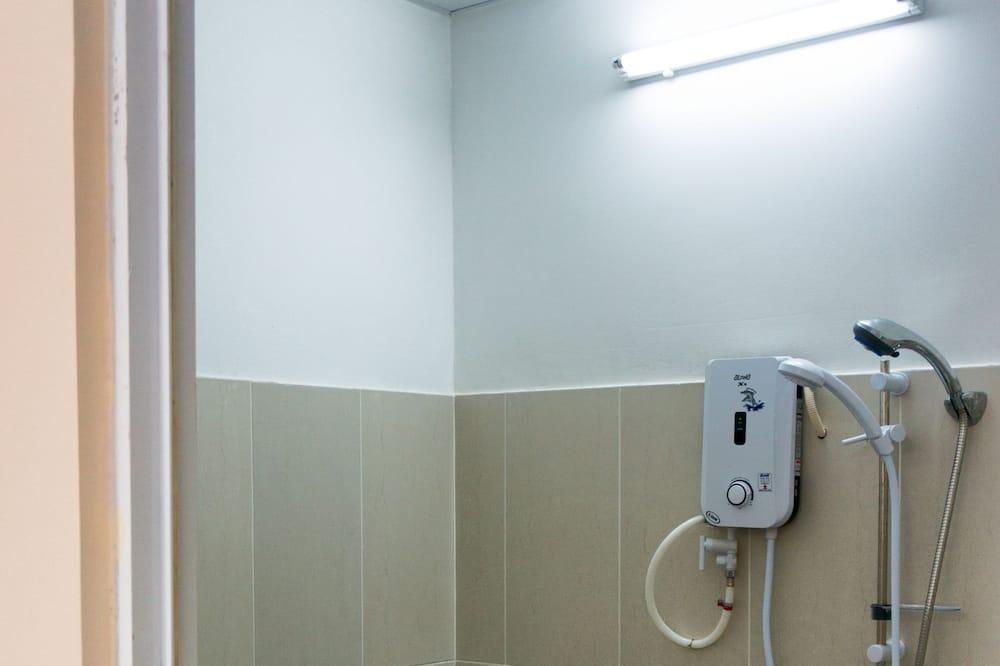 Family Room for 6, Garden View - Bathroom