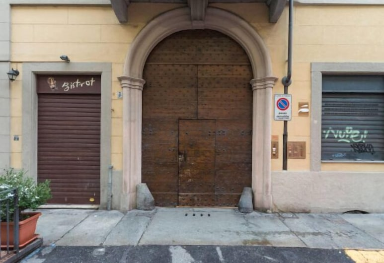Piave, Turin, Property entrance