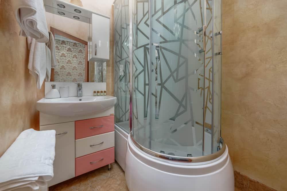奢華四人房 - 浴室