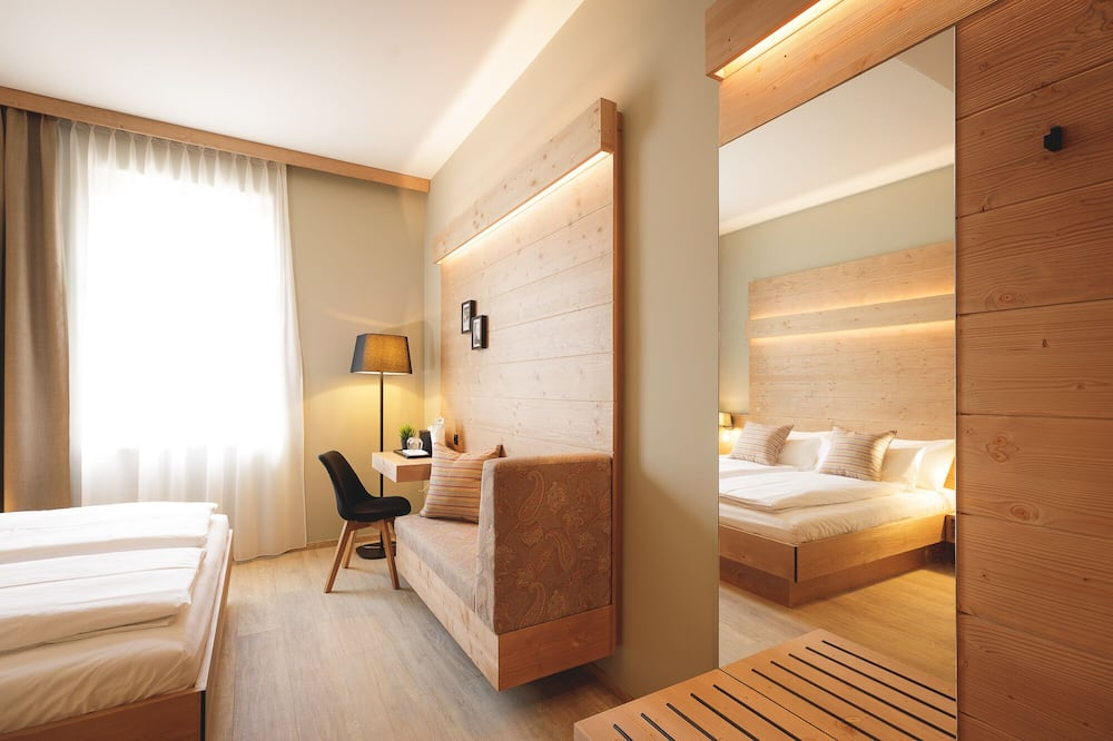 Deluxe Double Room (Town Classics) - Guest Room