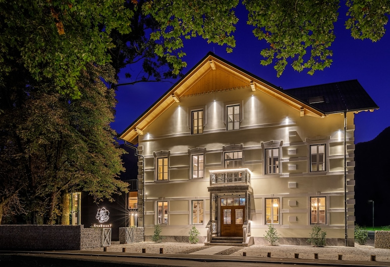 Sunrose 7 - Heritage Boutique Hotel - Adults Only, Bohinj, Hotel Front – Evening/Night