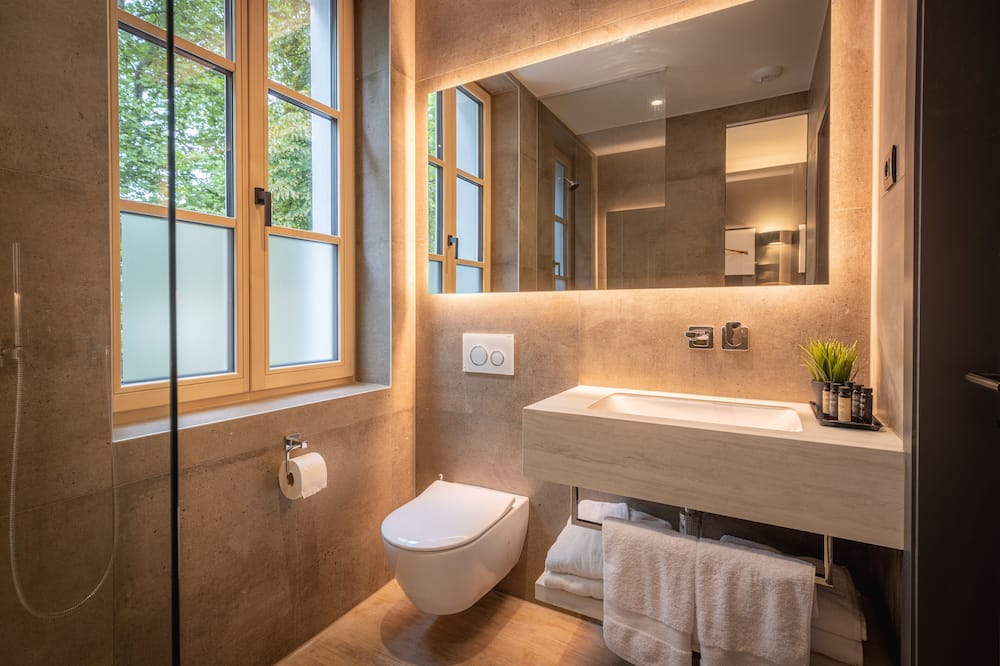 Deluxe Double Room (Town Classics) - Bathroom