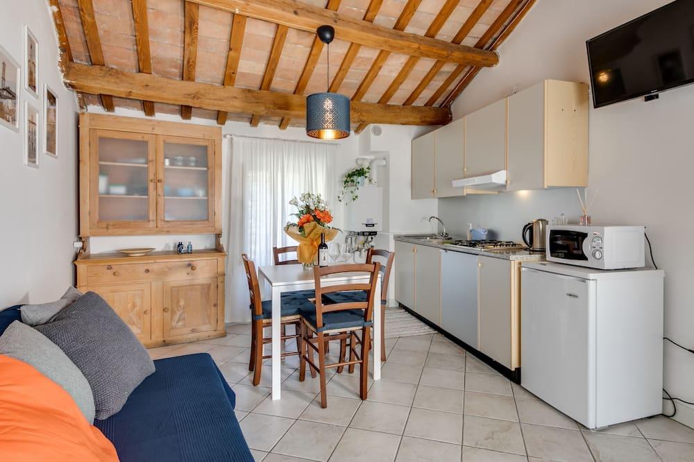 Romantic Apartment, 1 Bedroom - Ruang Tamu