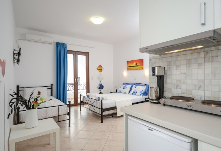 Naxos Diamond Studios Apartments, Naxos, Deluxe Triple Room, Guest Room