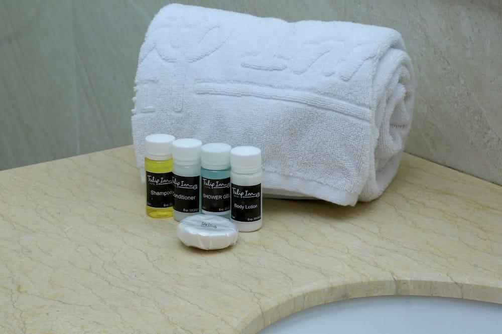 Standard Room - Bathroom Amenities