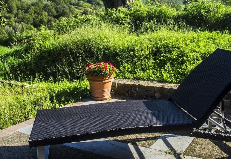 House Immersed in the Green of the Cilento Park, Santa Marina, Balcony