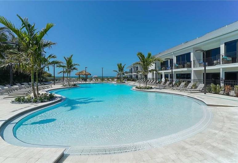 Anna Maria Beach Resort Luxury Suite, Holmes Beach
