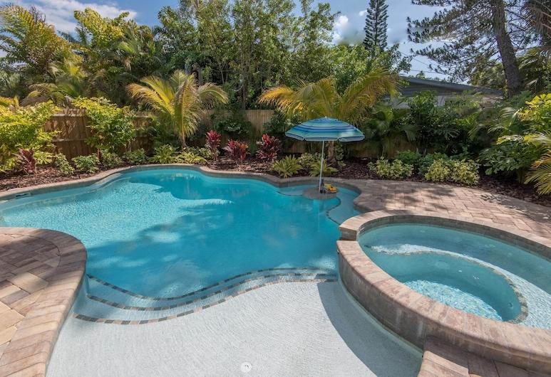 Breezy Beach, Holmes Beach, Duplex, 4 Bedrooms, Pool